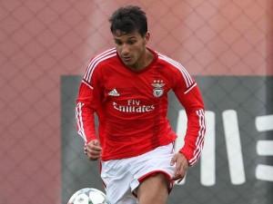 João Carvalho - Meio-campista - 09/09/1997- Benfica