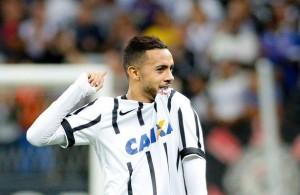 Corinthians - Claudinho- 19 anos - Atacante